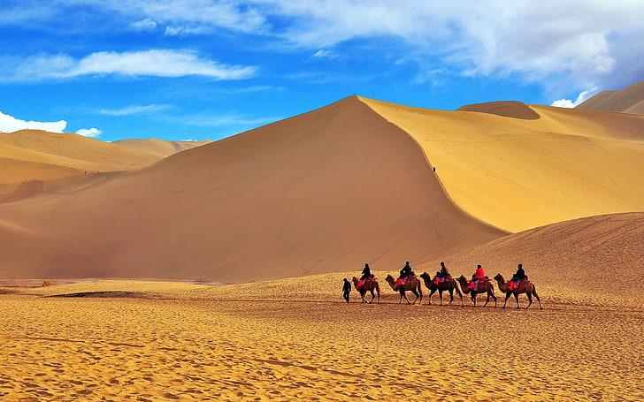 Dunas de arena en Dunhuang, en el Oeste de China, a lo largo de la Ruta de la Seda
