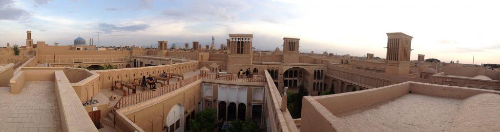 Atardecer en Yazd desde uno de sus tejados
