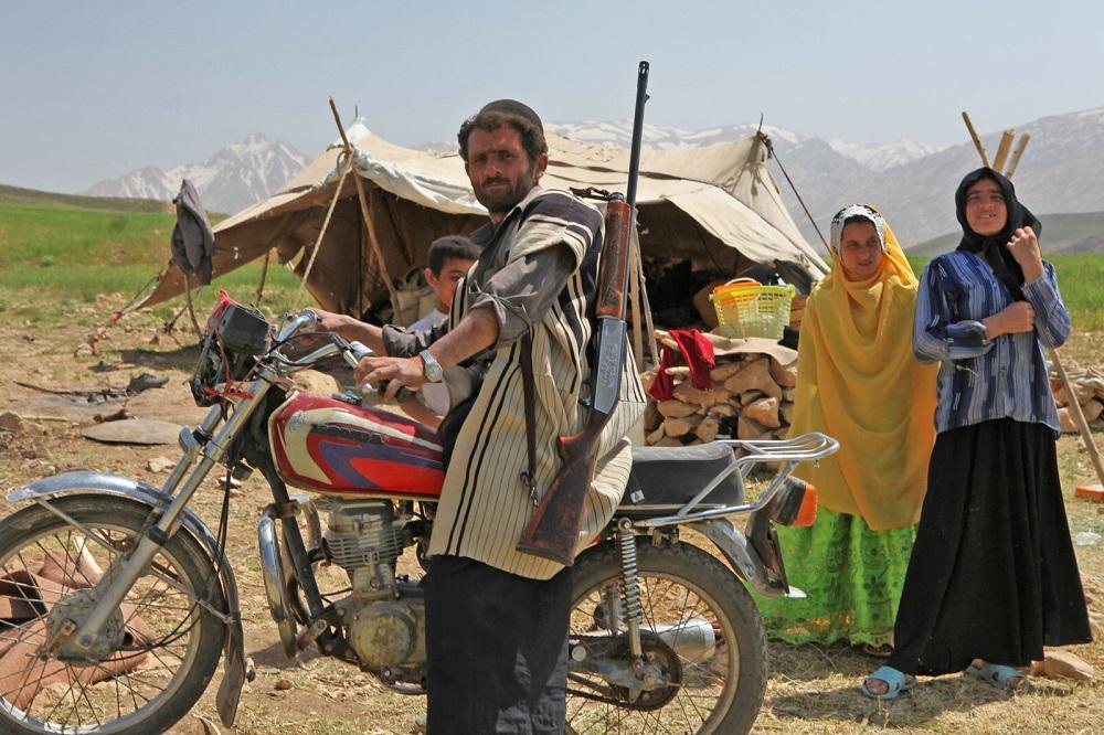 Familia de nómadas Bhaktiari en las montañas Zagros del Kuzhestan